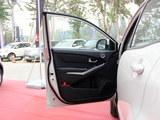 2014款 柯兰多 2.0L 汽油两驱手动舒适导航版